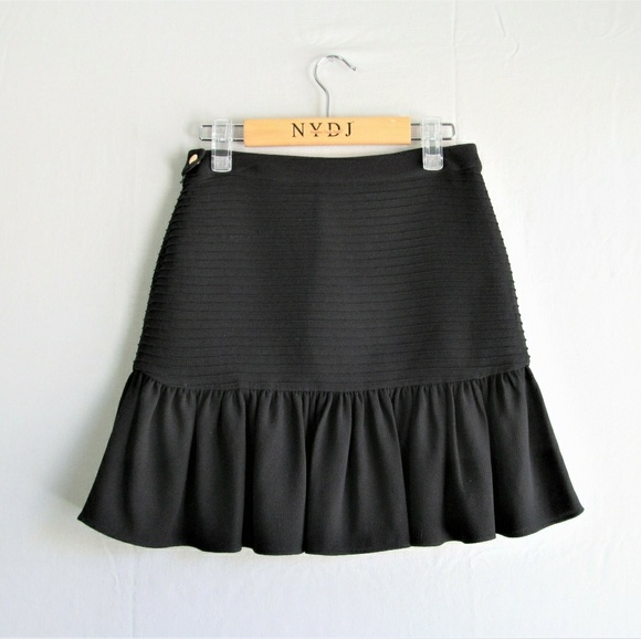 2c0fa854d2 Wilfred le fou black ruffled dansa skirt. M_5a9438d98af1c53d2b4b82fb